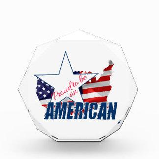 アメリカ人があること誇りを持った 表彰盾
