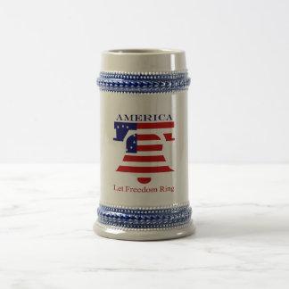 アメリカ人は自由のリングを許可しました ビールジョッキ