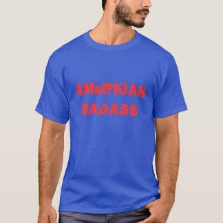 """""""アメリカ人Badass""""のTシャツ Tシャツ"""