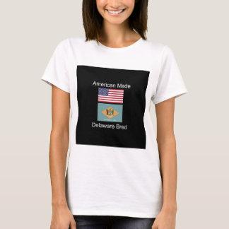"""""""アメリカ生まれ。デラウェア州は""""旗のデザインを繁殖させました Tシャツ"""