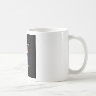 """""""アメリカ生まれ。メインは""""旗および愛国心を繁殖させました コーヒーマグカップ"""