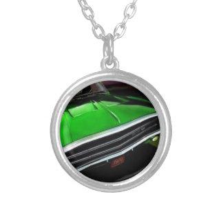 アメリカ筋肉車の充電器の緑 シルバープレートネックレス