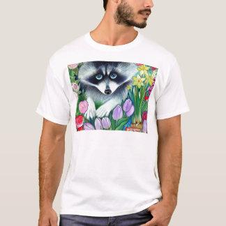 アライグマおよびチューリップ Tシャツ