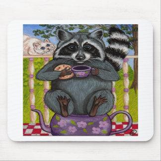 アライグマの茶ゲストのマウスパッド マウスパッド