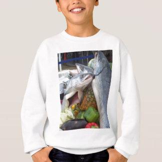 アラスカのサケのビュッフェ スウェットシャツ