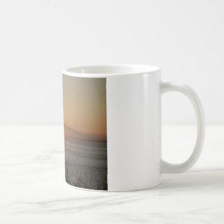 アラスカの山のSusitnaの日没 コーヒーマグカップ