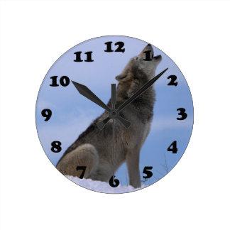 アラスカの材木オオカミ ラウンド壁時計