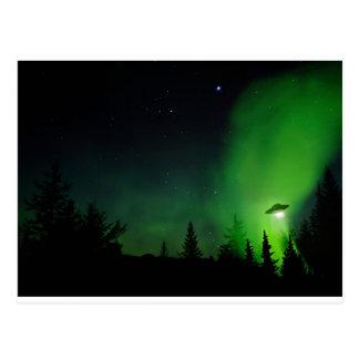 アラスカの空のエイリアンUFO ポストカード
