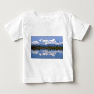 アラスカのMountians ベビーTシャツ