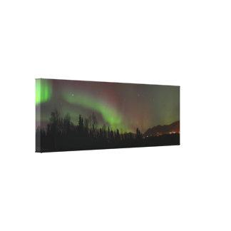 アラスカのNorthern Lightsの全景 キャンバスプリント