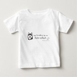 アラスカンマラミュート-多くは繁殖します ベビーTシャツ