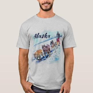 アラスカ (AK)Aのそり犬のチーム水彩画の絵画 Tシャツ