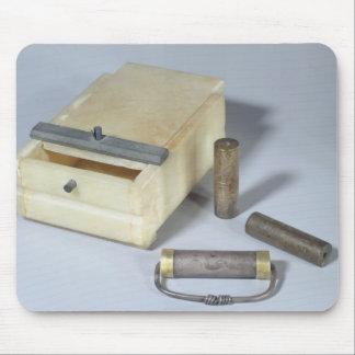 アラバスター箱および青銅および銀はシリンダーを密封します マウスパッド