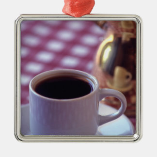 アラビアコーヒーのコップ。 シリア。 中間 メタルオーナメント