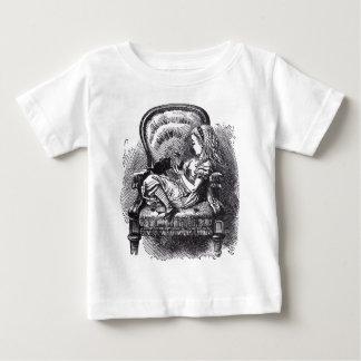 アリスおよび子ネコ ベビーTシャツ