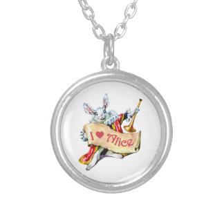 """アリスの白いウサギは言います、""""私は愛しますアリス""""を シルバープレートネックレス"""