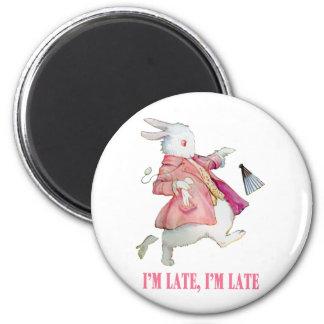 """アリスの白いウサギは言います、""""私は遅れます、私遅れます! """" マグネット"""