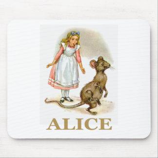 アリスはマウスを後を追います マウスパッド