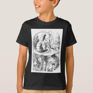 アリスは幼虫に相談します Tシャツ