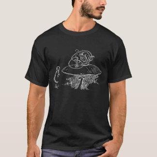 アリス及び幼虫のワイシャツ Tシャツ