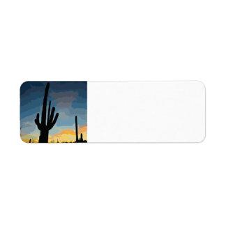 アリゾナのサグアロのサボテンの南西日没 ラベル