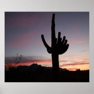アリゾナのサグアロの日没 ポスター