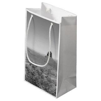 アリゾナまたはユタのB&W記念碑の谷 スモールペーパーバッグ