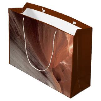 アリゾナ-上部のカモシカ渓谷E -赤い石 ラージペーパーバッグ