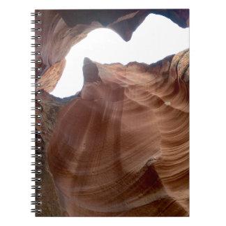 アリゾナ-上部のカモシカ渓谷Z -赤い石 ノートブック