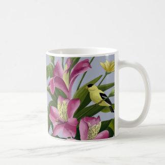 アルストロメリア属およびアメリカのGoldfinch コーヒーマグカップ