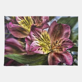 アルストロメリア属のペルーユリの開花の台所ふきん キッチンタオル