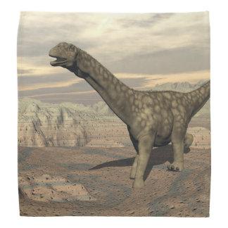 アルゼンチノサウルスの恐竜の歩行- 3Dは描写します バンダナ