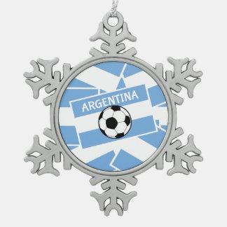アルゼンチンのフットボールの旗 スノーフレークピューターオーナメント