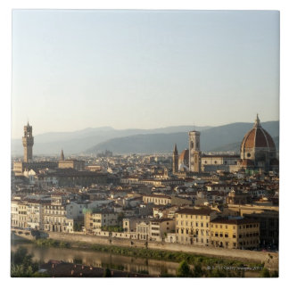 アルノの川、大教会堂、Ponteが付いているフィレンツェの眺め タイル