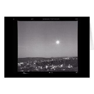 アルバカーキ上の月の上昇 カード