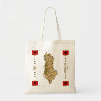 アルバニアの地図 + 旗のバッグ トートバッグ
