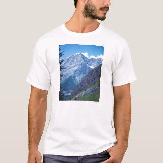 アルバータのロッキー山脈 Tシャツ