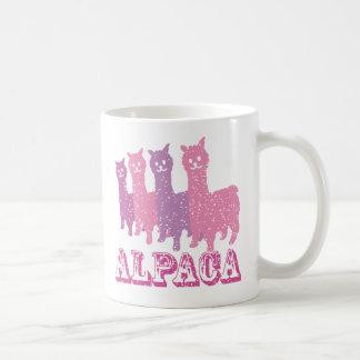 アルパカのシルエット4 Pのマグ コーヒーマグカップ