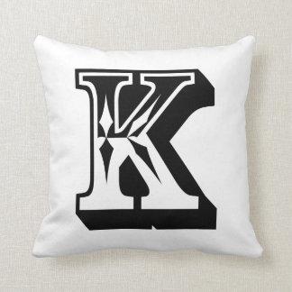 """アルファベット""""K""""の手紙ABC クッション"""