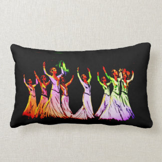 アルメニアのダンサーの枕3 ランバークッション