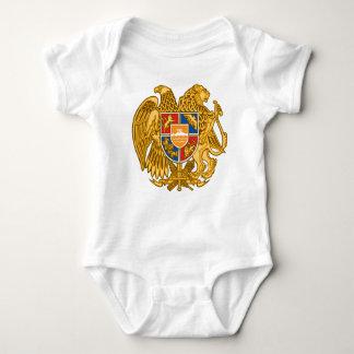アルメニア-アルメニアの紋章の紋章付き外衣 ベビーボディスーツ