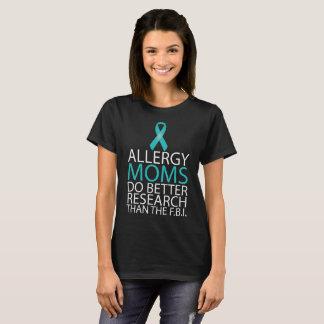アレルギーのお母さんは研究のTシャツをよくします(暗い) Tシャツ