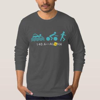 アロハ人の素晴らしいジャージーLS -暗闇との140.6+Bk Tシャツ