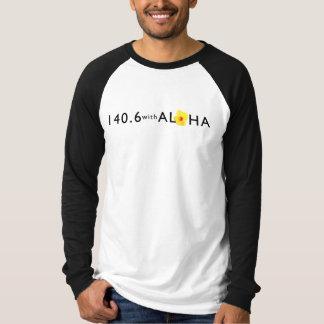 アロハ人の長袖のRaglanのTシャツとの140.6 Tシャツ