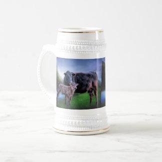 アンガスの黒い牛および子牛 ビールジョッキ