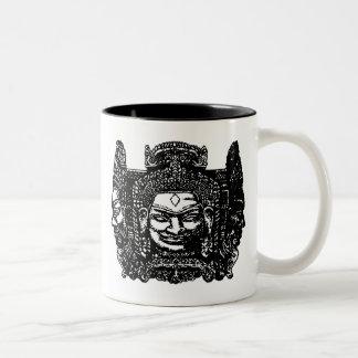 アンコール・ワットの彫刻 ツートーンマグカップ