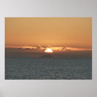アンチグアIの海景の写真撮影の日没 ポスター