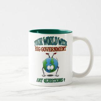 アンチ大きい政府のマグ: あなたの世界 ツートーンマグカップ