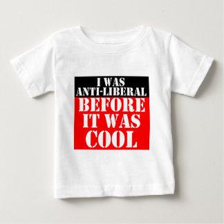 アンチ自由主義者の前それあカッコいい ベビーTシャツ