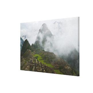 アンデスとのMachu Picchuの古代台なし キャンバスプリント